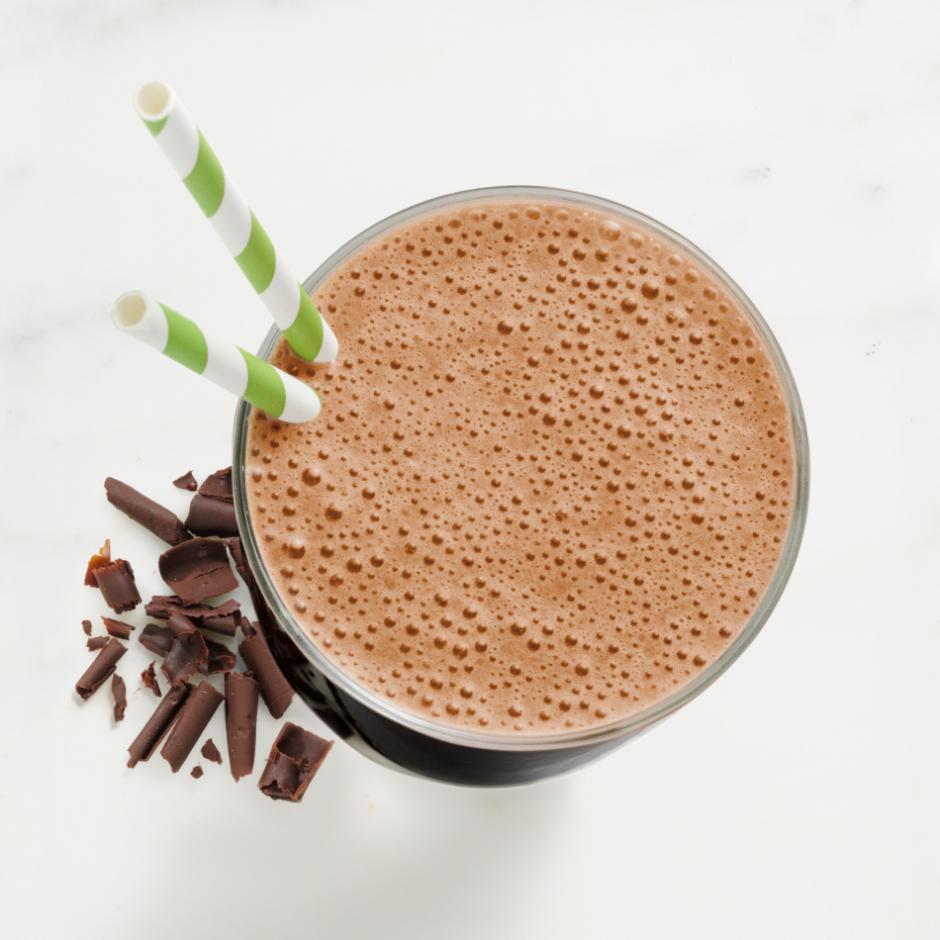 HMR 800 Chocolate Shake prepared in a blender